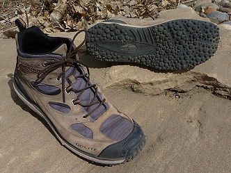Light-Weight Mid-Height Trail Shoes: GoLite - 2