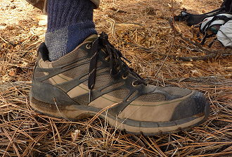 Light-Weight Mid-Height Trail Shoes: GoLite - 4