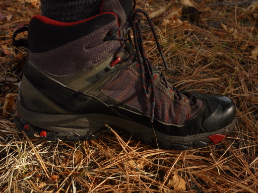 Light-Weight Mid-Height Trail Shoes: Salomon - 1