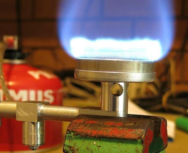 a forgotten stove burner head