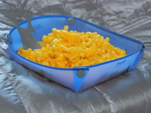 fozzils foldable ultralight dishware: fozzils dishware with mac and cheese