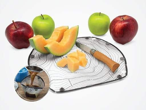 fozzils foldable ultralight dishware: plate with fruit