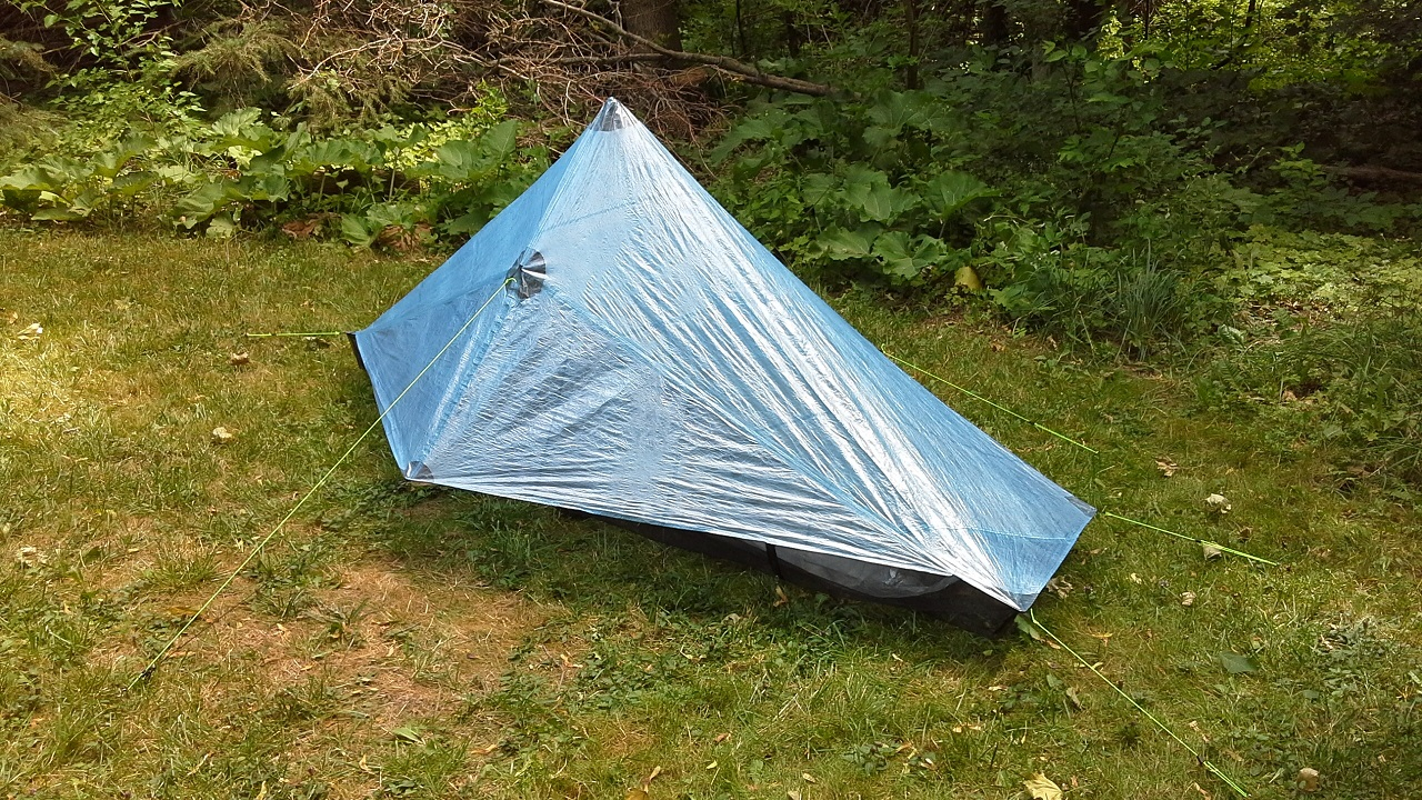 included in the sale is a zpacks hexamid solo cuben fiber bathtub floor zpacks carbon fiber tent pole stakes and guy lines wline locs 500 shipped