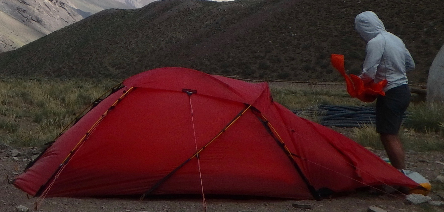 It is a bomber 4 season tent and can withstand most anything. There are great reviews online so you know youu0027re getting a great product. & FS: Hilleberg Jannu (Red) - Backpacking Light